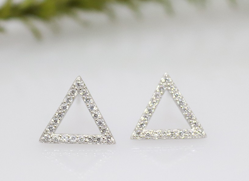 triangular studs