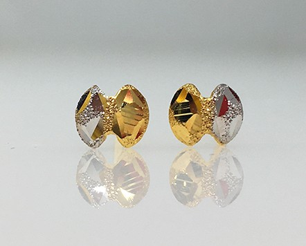 9ct gold BOW style earrings